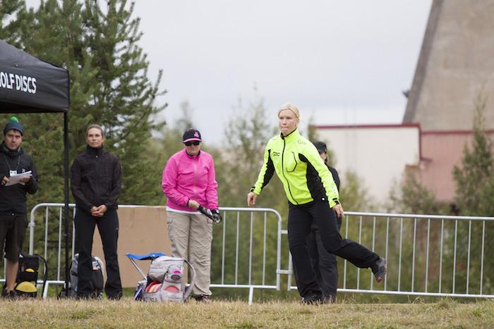 Jenni Eskelinen nousi toiselle sijalle hienon 2. kierroksen myötä.