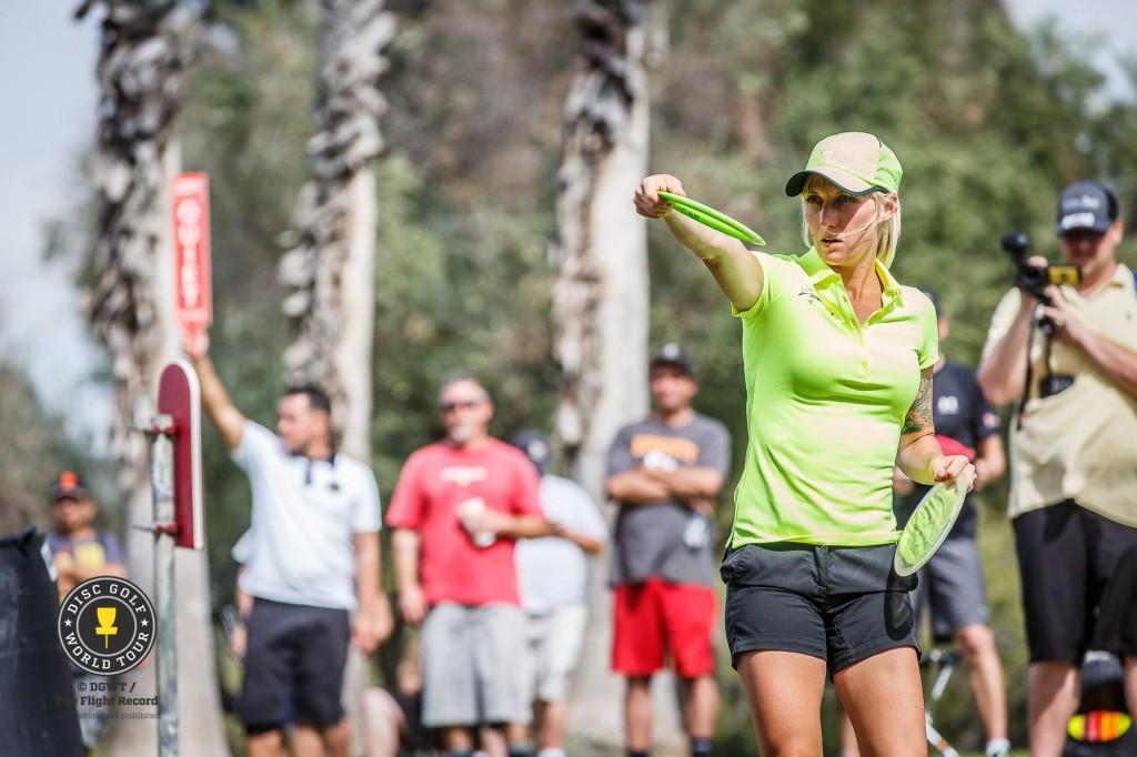 Catrina Allen pelasi miespelaajien seassa kaksi hienoa kierrosta ja sijoittui sijalle 45. © DGWT / The Flight Record