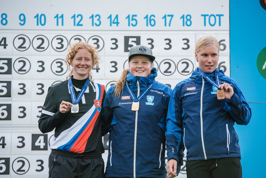 Eveliina Salonen otti odotetusti EM-kultaa, vaikka joutuikin taistelemaan loppuun saakka ansaitakseen voittonsa. Hopealle sijoittui Slovakian Katka Bodová ja pronssille Jenni Eskelinen. Kuva: Eino Ansio.