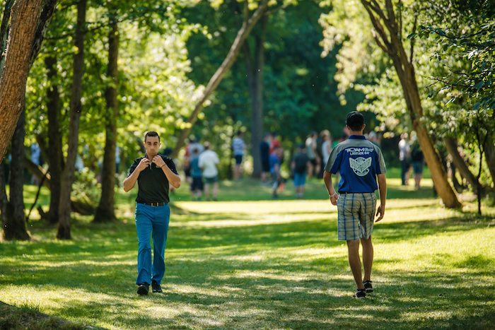 Maailman kärkikaksikko, Paul McBeth ja Ricky Wysocki, ottavat mittaa toisistaan huomenna. Kuva: Eino Ansio.